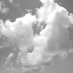 大雲と砂浜